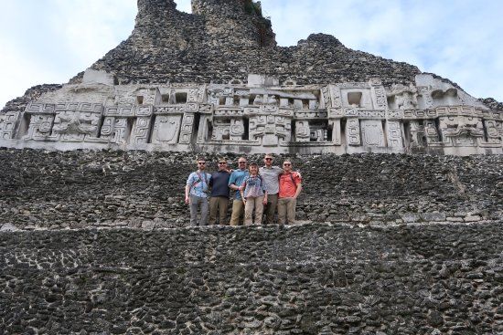 Mariposa Jungle Lodge: Ruins, we rode horses to get there, across a man powered ferry. Cool