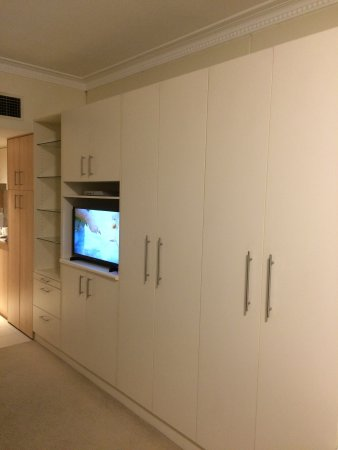 Pennant Hills, Αυστραλία: Cupboards galore