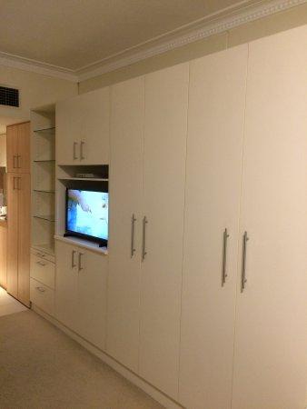 Pennant Hills, Australia: Cupboards galore
