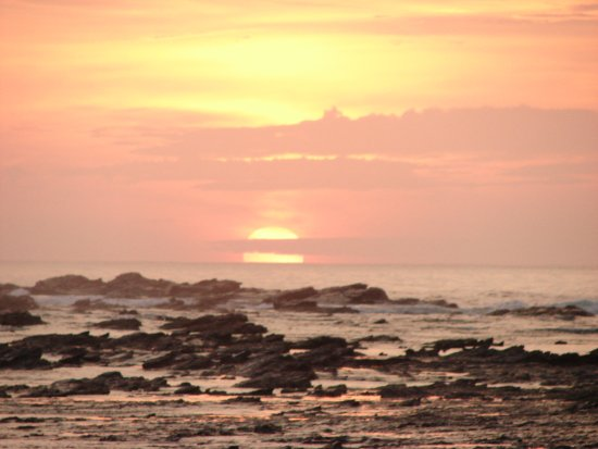 Refugio Del Sol Lodge: Atardecer en Playa Pelada, maravilloso
