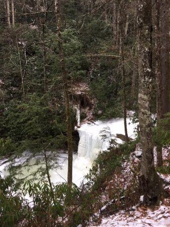 Mullens, WV: Hiking trail to the (frozen!) falls.