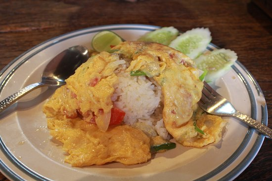 The Pirate House Restaurant: Over priced Thai rice with Omlette
