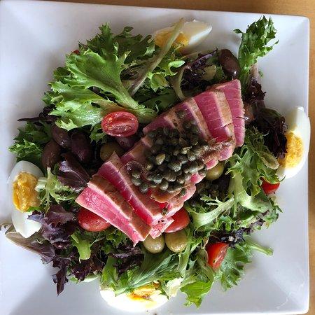 Veg & Grill - A Vegetarian & Seafood Eatery: photo0.jpg