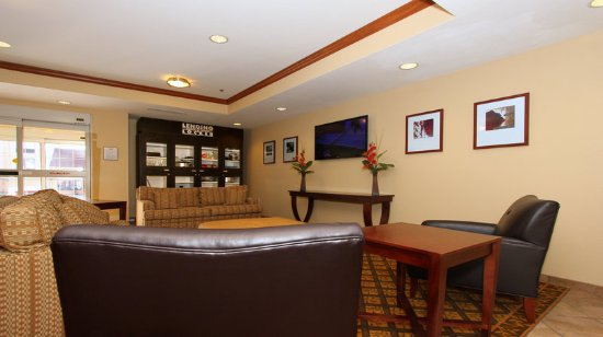 Candlewood Suites Kansas City Airport: Lobby