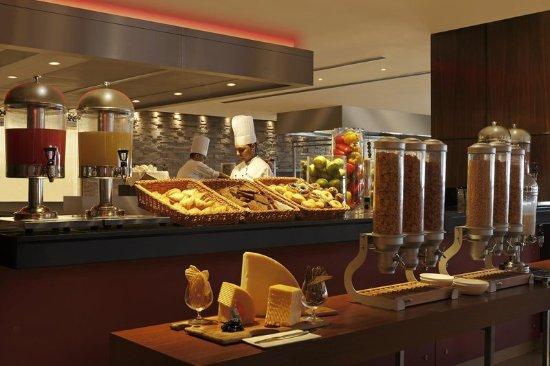 Hilton Garden Inn New Delhi Saket Updated 2018 Hotel Reviews Price Comparison India