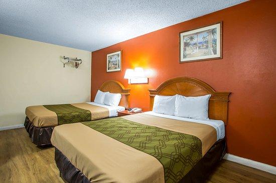 Guest room foto de econo lodge fort lee fort lee for 2143 hudson terrace fort lee nj 07024