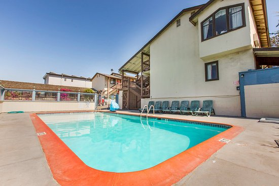 Monterey fairgrounds inn from 45 4 7 updated 2017 for Pool show monterey