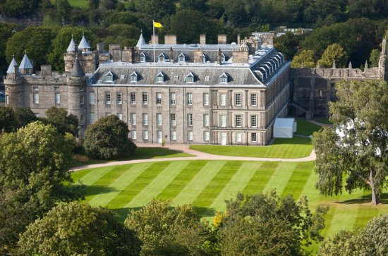 Royal Edinburgh Ticket inclusief hop-on hop-off tours en toegang tot ...