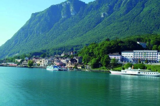 Swiss riviera with long cruise in Montreux and Lavaux Unesco...