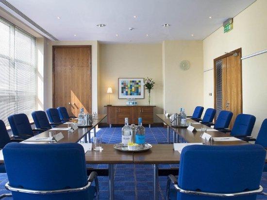 Sofitel London Gatwick: Meeting room