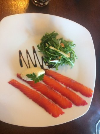 Poppies Cafe: Cured Local Salmon