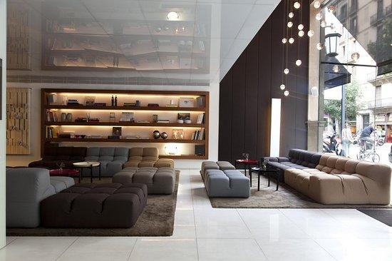 Alexandra Barcelona Hotel, Curio Collection by Hilton: Lobby