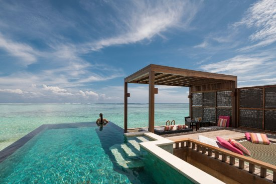 Huraa Island: Water Villa with Pool