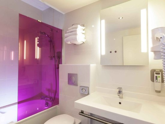 Ibis Styles Saumur Gare Centre : Guest room