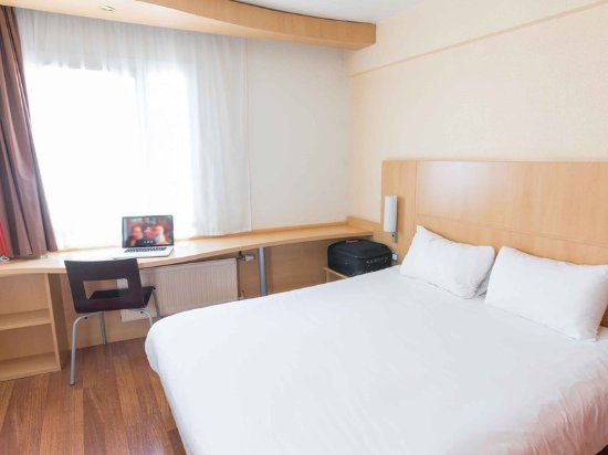 Ibis Dunkerque Centre: Guest room
