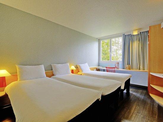 ibis poitiers beaulieu hotel france voir les tarifs 178 avis et 48 photos. Black Bedroom Furniture Sets. Home Design Ideas