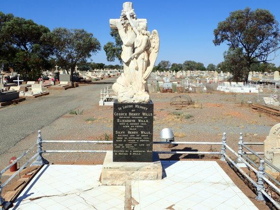 Experience the history of Broken Hill with Away Tours