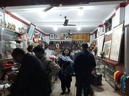 Good BENGALI restaurant and traditional shopping