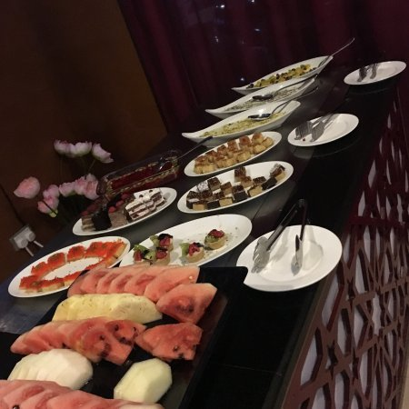 Cassells Al Barsha Hotel: photo0.jpg