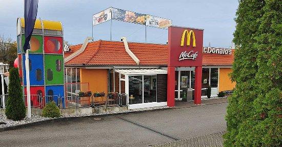 McDonald's in Diemelstadt ist rund um die Uhr an 7 Tagen pro Woche geöffnet.