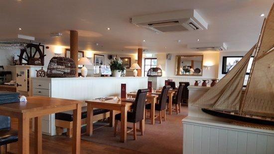 The Cricket Inn: Dining area