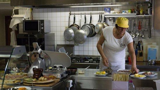 Монтекатини-Валь-ди-Чечина, Италия: La cucina tipica Toscana del Buglione, qualità dei prodotti e tradizione in cucina