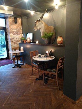 Axel Guldsmeden - Guldsmeden Hotels: lobby extension of breakfast area