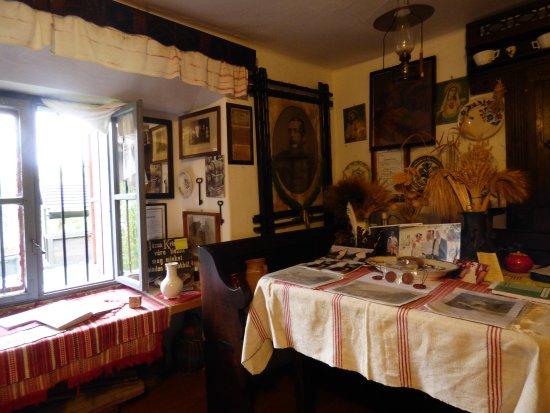 Orvenyes, Magyarország: The miller's room