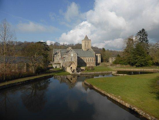Basse-Normandie, Frankrijk: Vue sud-ouest de l'abbaye.
