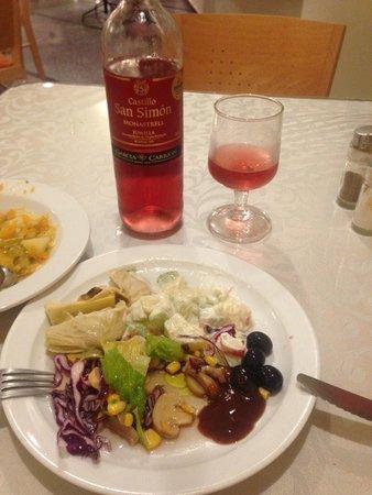 Bull Astoria : Eine Flasche Wein kostet nur EUR 3,50.-
