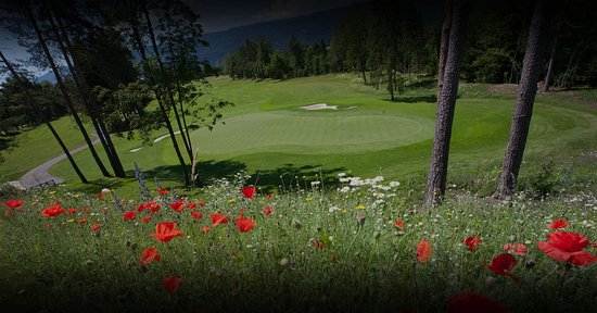 Lesce, สโลวีเนีย: King's Golf Course at Royal Bled