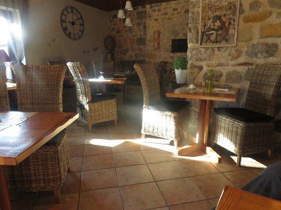 Ardeche, Frankrike: A little gem of restaurant
