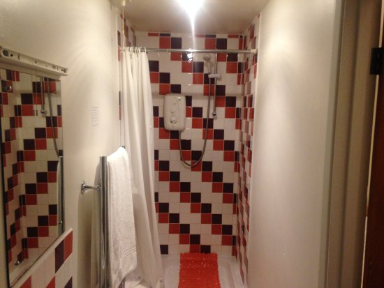 Kineton, UK: Shower Space