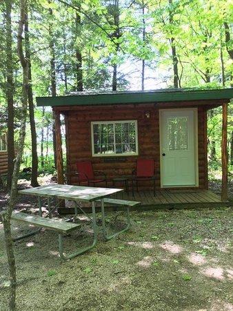 Egg Harbor, WI: Small rustic cabin