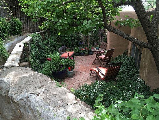 Dunshee's Casita: Private patio.
