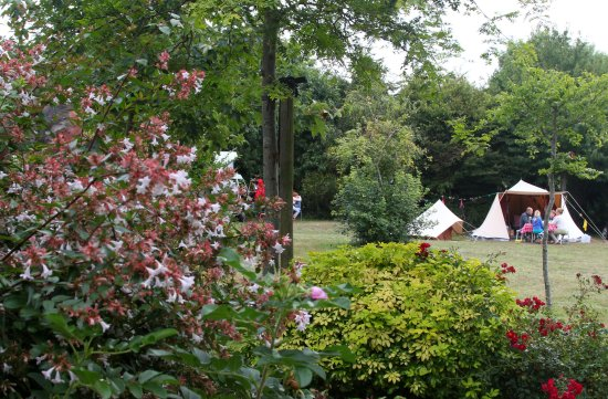 tente hollandaise picture of camping la ferme de lann hoedic sarzeau tripadvisor. Black Bedroom Furniture Sets. Home Design Ideas