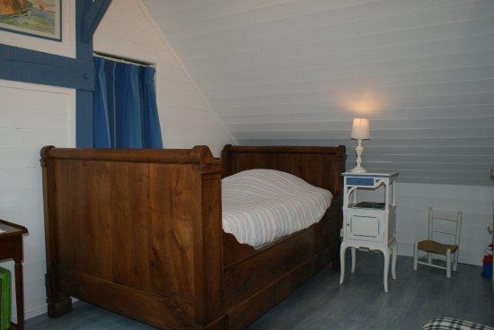 Saint-Erblon, France: la chambre rêve d'enfant communicante avec Berlingot