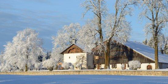 Ferme comtoise authentique de 1689, le Pré Oudot en hiver par Gil Faivre