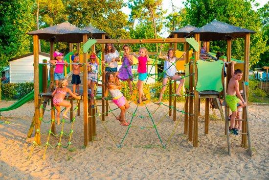 aire de jeux enfant camping le zagarella saint jean de monts f nyk pe tripadvisor. Black Bedroom Furniture Sets. Home Design Ideas
