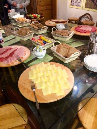 Undredal, النرويج: Buffet petit-déjeuner