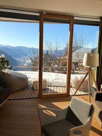 Hotel Belvedere: Hangsuite mit kleiner Terrasse