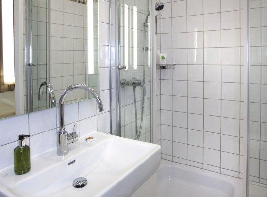 Riess City Hotel - Badezimmer - Bild von Riess City Hotel, Wien ...