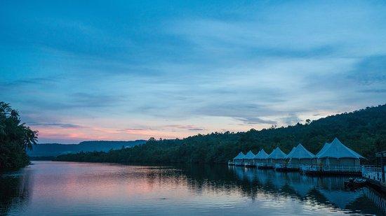 4 Rivers Floating Lodge Foto