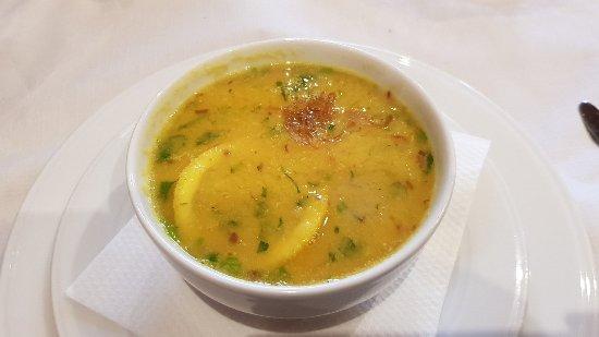Atocha Tandoori: Dhal Soup (sopa de lentejas rojas, cilantro, ajo y cebolla)