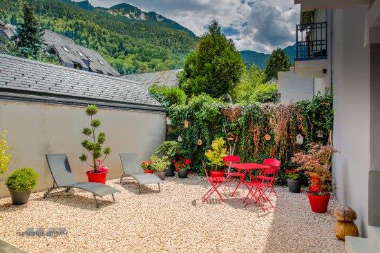 Jardin nevada chambres d 39 hotes saint lary soulan resmi for Jardin nevada
