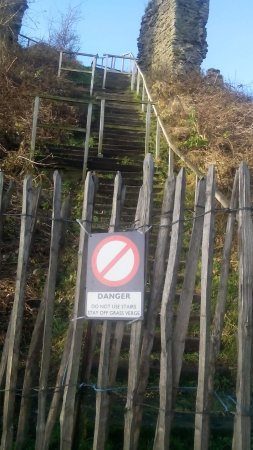 Herefordshire, UK: Slippery Steps Closed Off in Winter