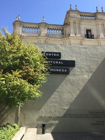 Centro Cultural Palacio de la Moneda y Plaza de la Ciudadania: Centro Cultural La Moneda
