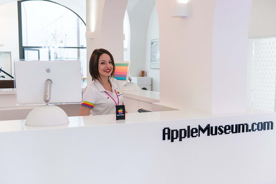 Apple Museum Prague