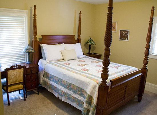 Lafayette House Bed And Breakfast Grand Rapids