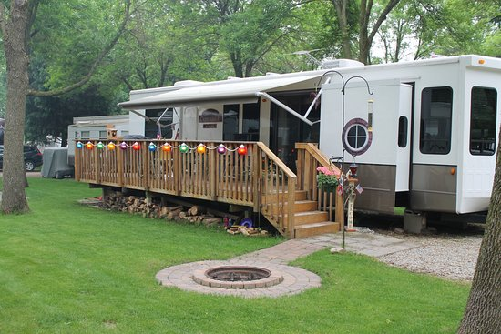 Waseca, MN: Deluxe Seasonal Campsites are a great way to enjoy all of our amenities all summer long!